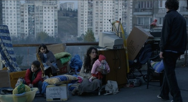 keep-smiling-iamze-sukhitashvili-in-una-scena-del-film-249740