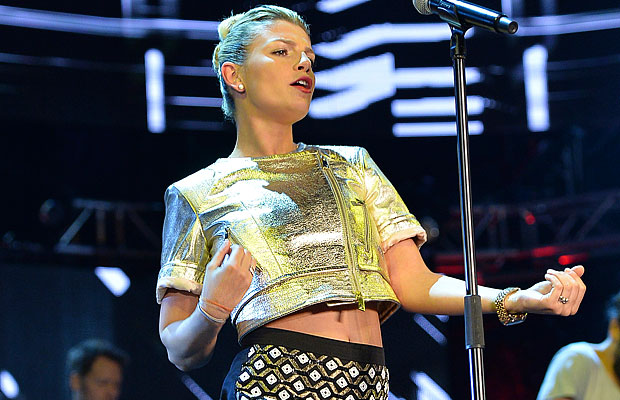 emma-marrone-coca-cola-summer-festival-2014-7